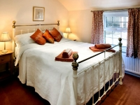 The Hinds Cottage Double Room