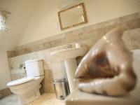 Stables-bathroom-Broadgate-